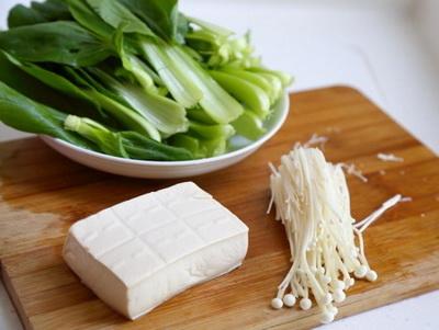 治疗黄疸的偏方:泥鳅炖豆腐